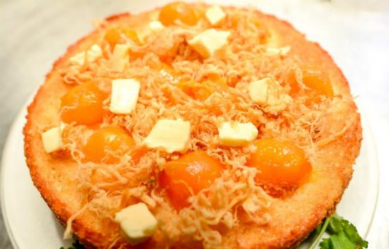 Cách làm bánh bông lan trứng muối sốt phô mai