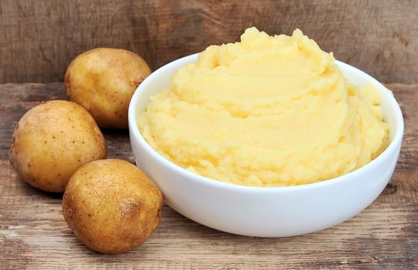 Kết quả hình ảnh cho mặt nạ khoai tây và dầu đậu nành