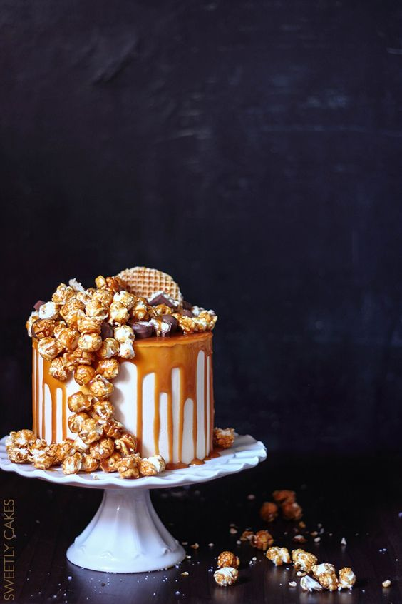 Layer cake cheesecake caramel with salted butter caramel popcorn