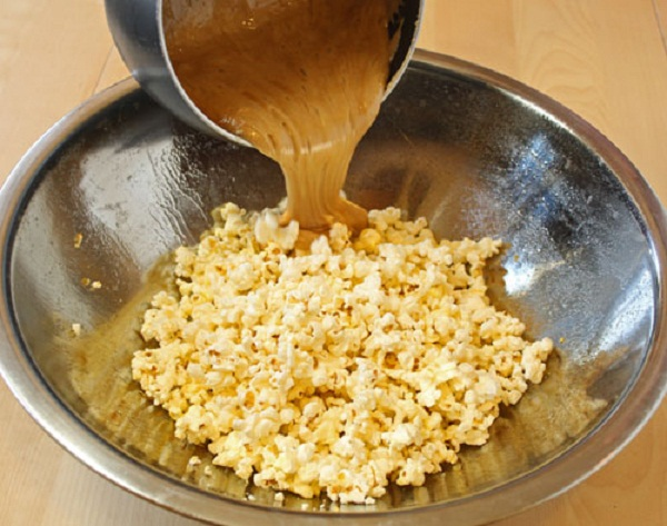 Kết quả hình ảnh cho làm bắp rang bơ