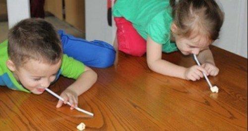 Tổ chức trò chơi cho bé với bắp rang bơ-hình 4